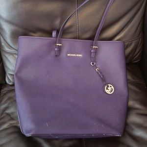 Micheal Kors XL laptop travel tote